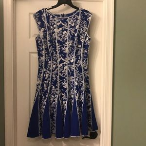 Fun Tadashi Shoji neoprene dress